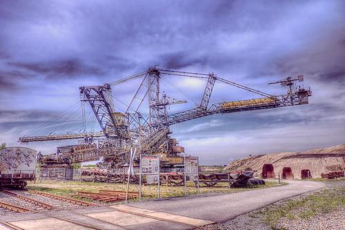 Bucket-Wheel-Excavator-open-pit-mining